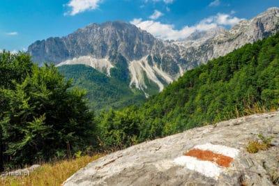 Zaczek ze szlakiem w Górach Przeklętych