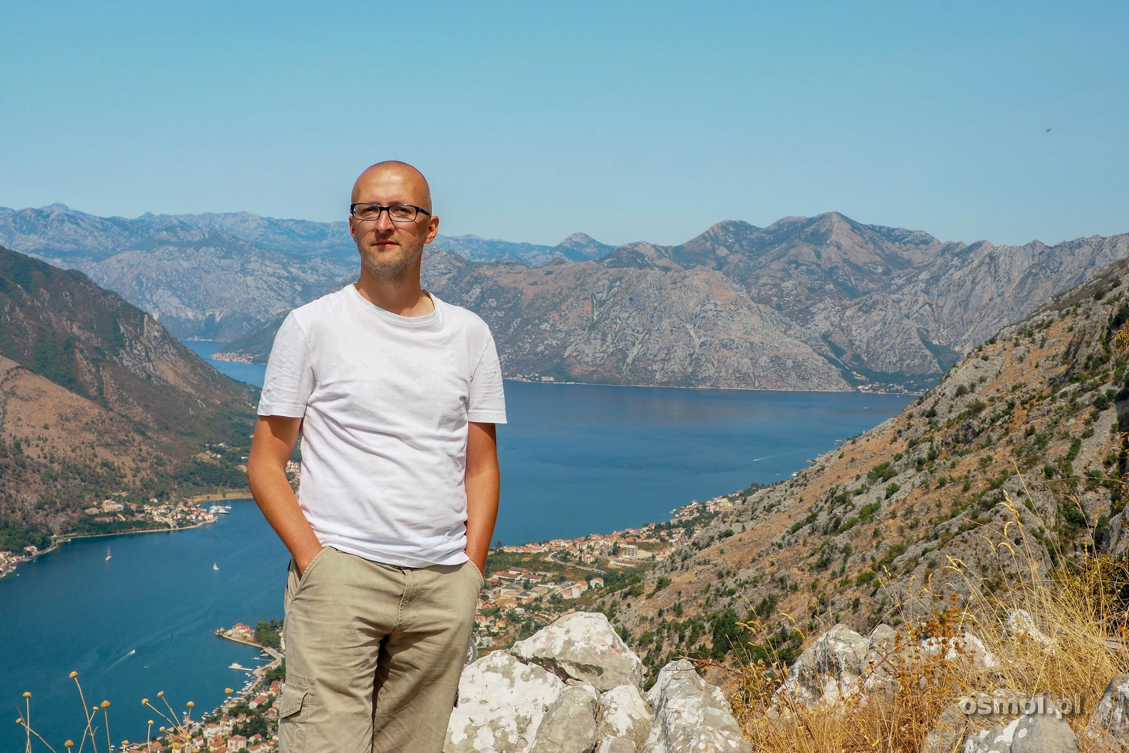 Widok na Kotor z góry nad miastem