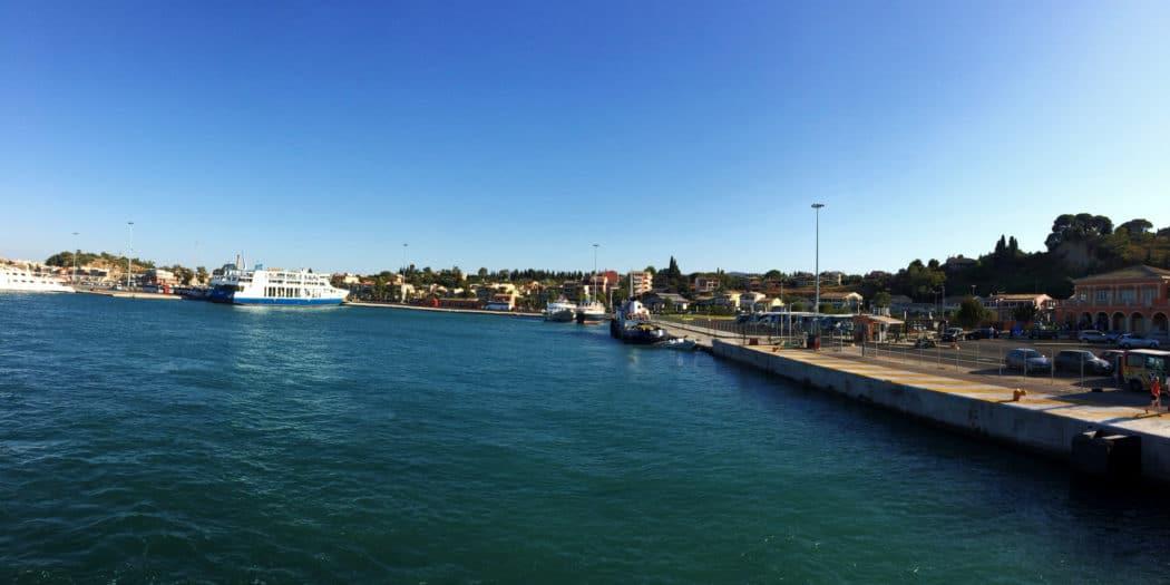 Widok na port w Korfu