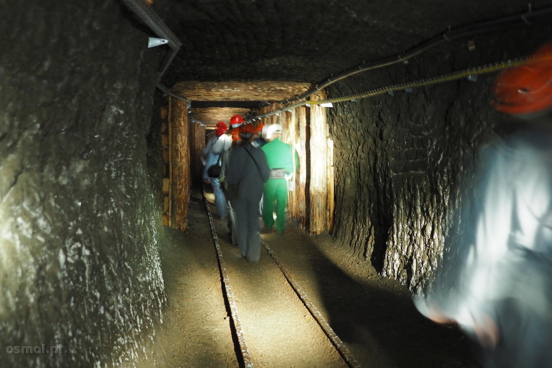 korytarz wydrążony w soli w Wieliczce
