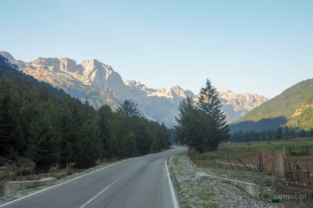 Jasna długa prosta... droga przez dolinę