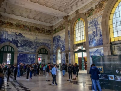 Azulejos na stacji kolejowej Sao Bento