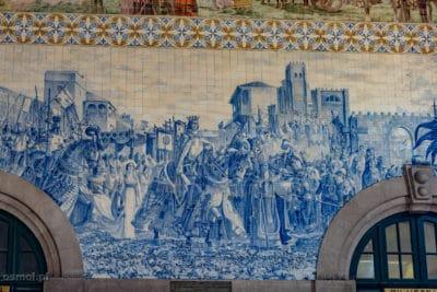 Azulajos na stacji kolejowej Bento