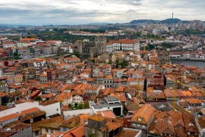 Panorama Porto widziana z wieży kleryków w Porto