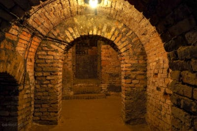 Przejscie w podziemnej trasie turystycznej Jarosław