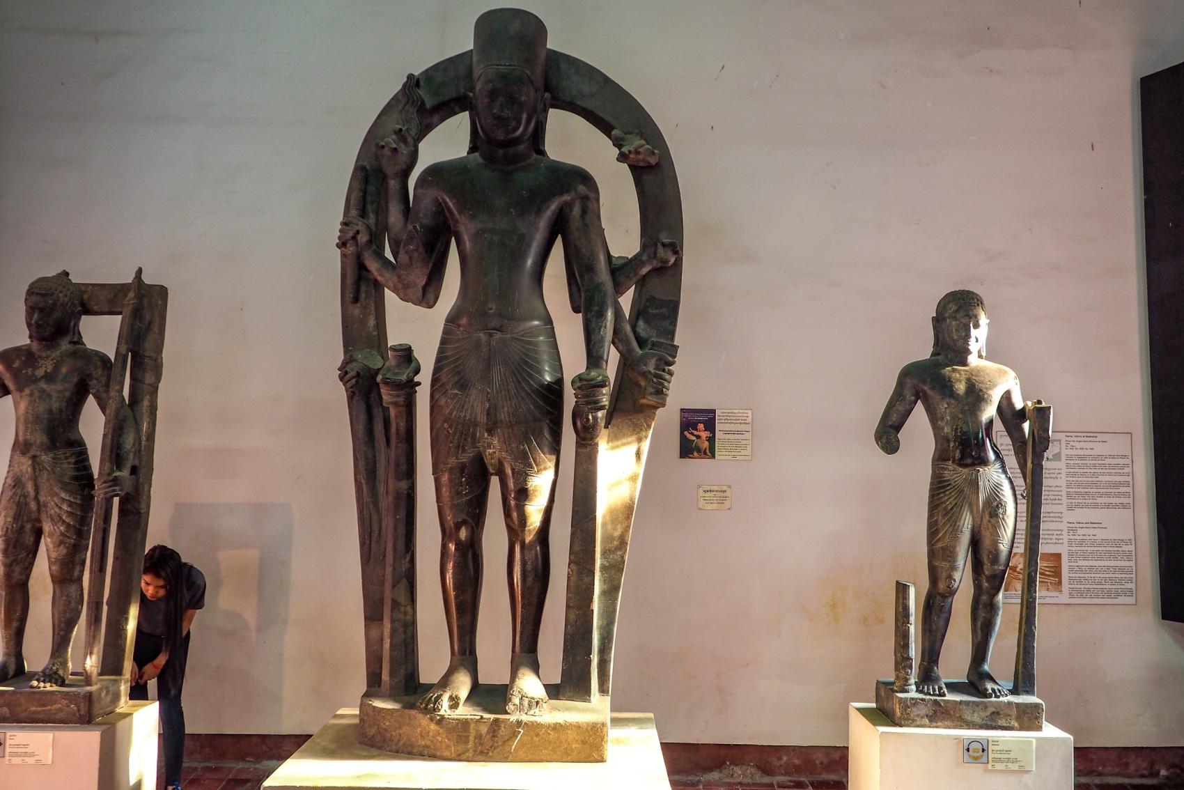 Rzeźby w Muzeum Narodowym Phnom Penh