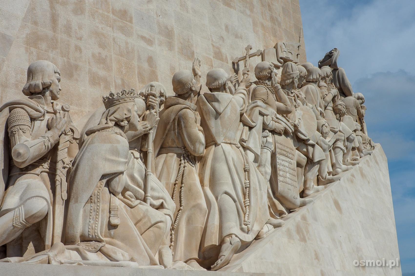 Rzeźby na Pomniku Odkrywców w Lizbonie