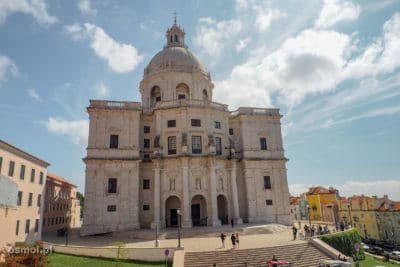 Panteon Narodowy - sacrum i profanum w jednym. Miejsce spoczynku najznamienitszych mieszkańców Lizbony. Choćby i symboliczne miejsce.