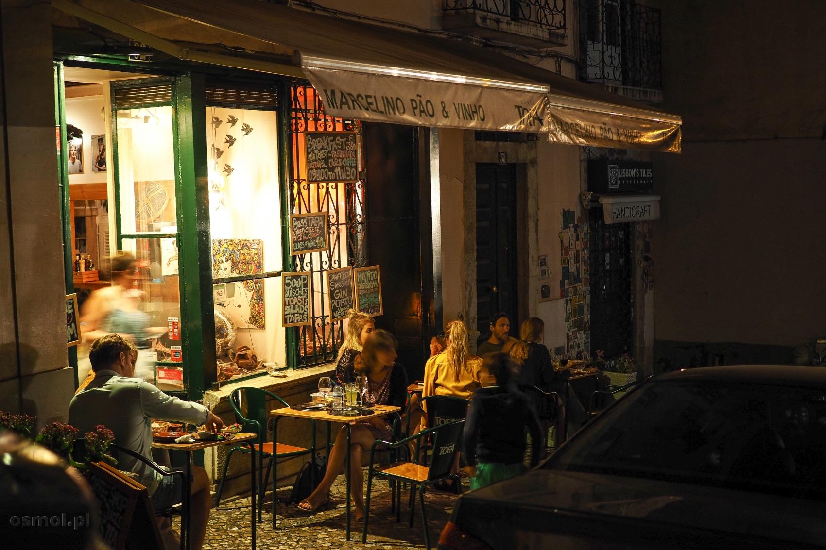Knajpka w Alfamie Lizbona