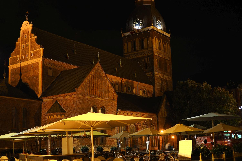 Katedra w Rydze w nocy