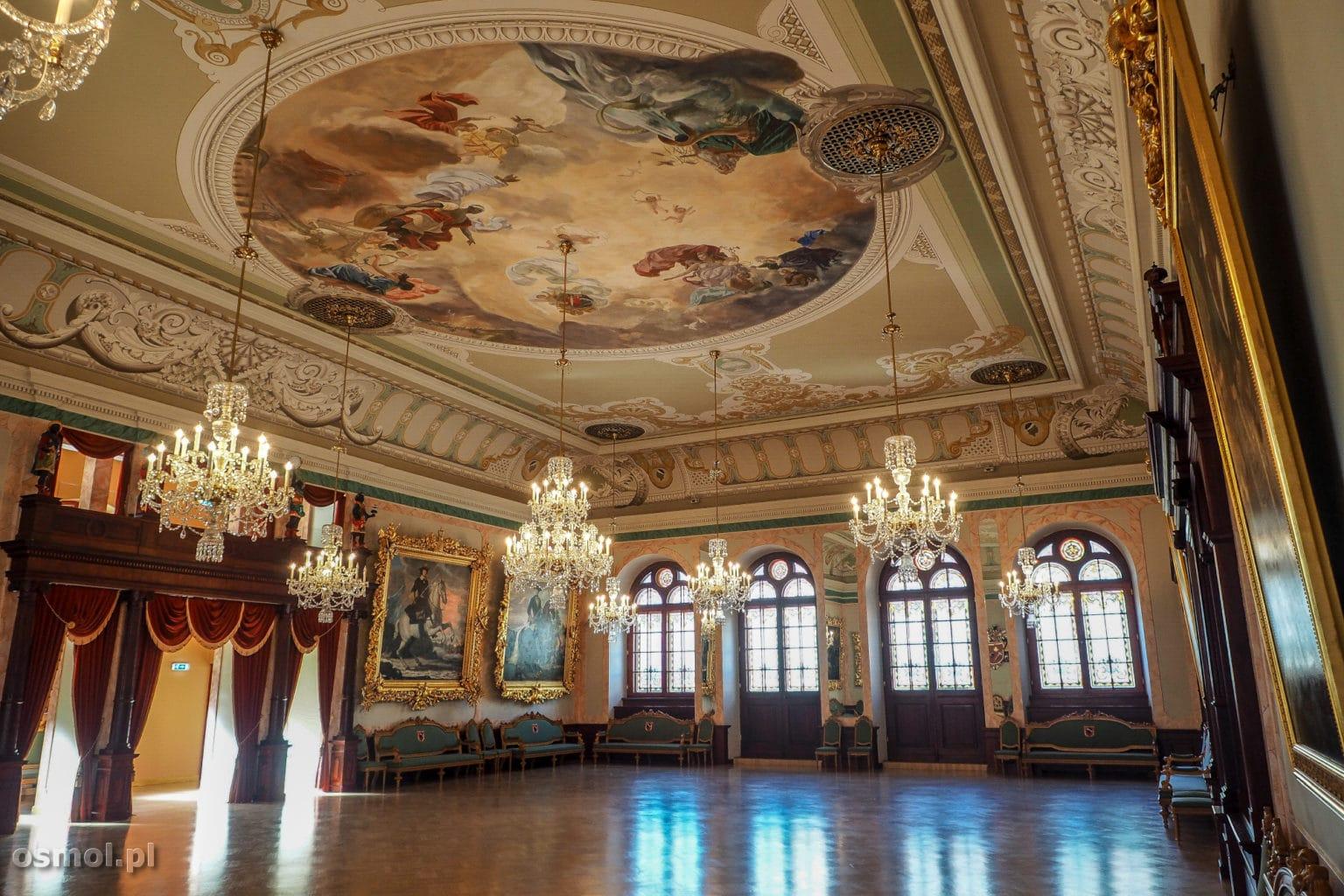 Sala w domu Bractwa Czarnogłowych