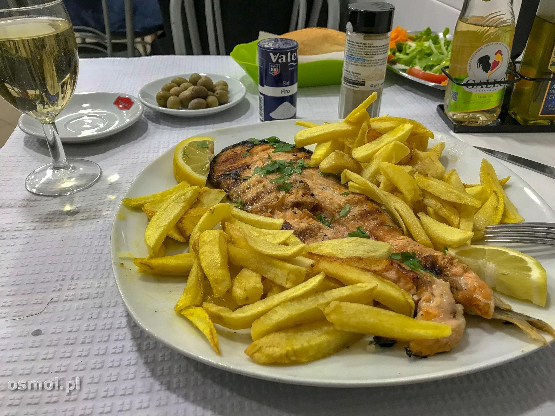 Jedzenie w Lizbonie - lokalna knajpka