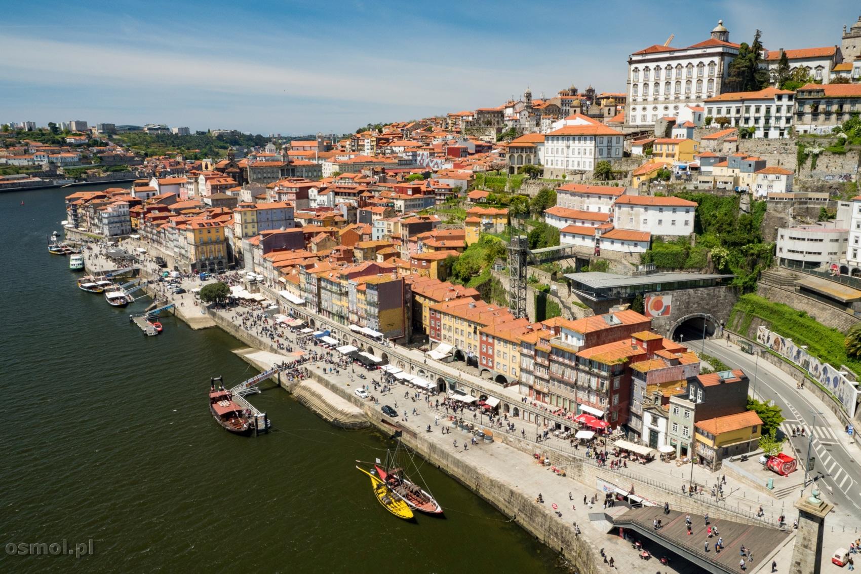 Widok na dzielnicę Ribeira w Porto. Jedna z najpiękniejszych panoram w Porto