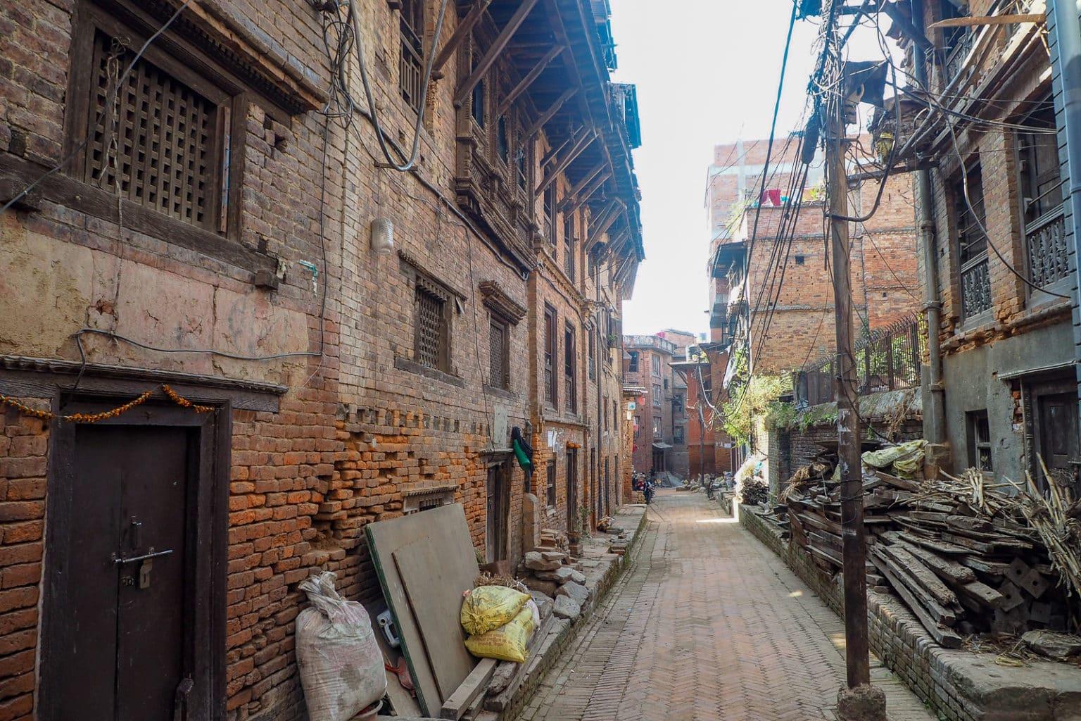 Zwykla ulica w Bhaktapurze