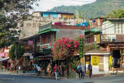 Kwiaty na ulicy w Pokharze