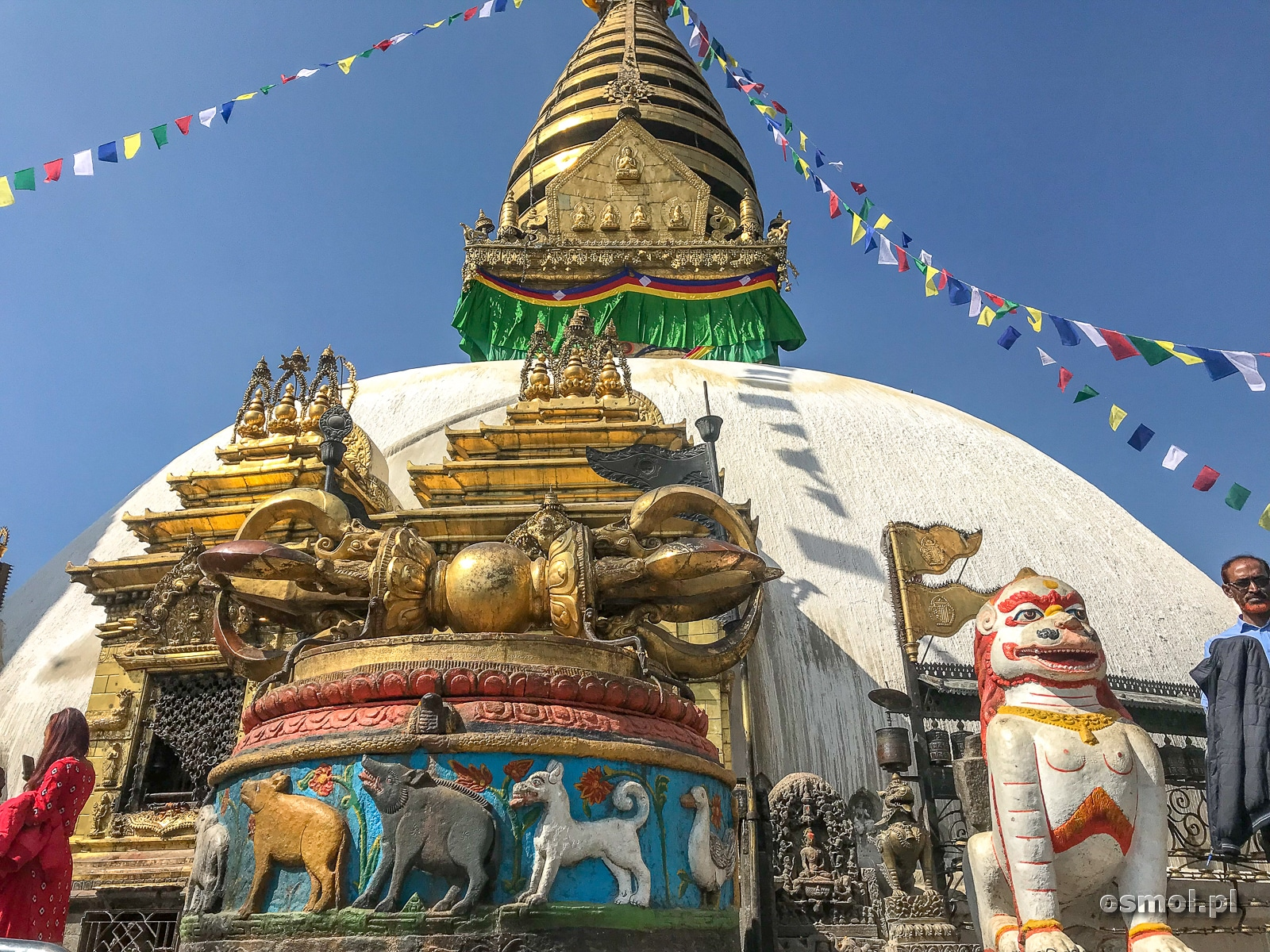 Stupa Swayambhunath w Kathmandu - mój punkt docelowy, tu chcę dotrzeć, by zobaczyć jedno z najświętszych miejsc w Nepalu.