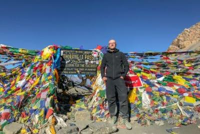 Zdjecie pod tablicą z wysokością przełęczy Thorong La to punkt obowiązkowy :)