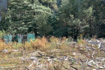 Ruiny domu na dawnym szlaku wiodącym dookoła Annapurny.