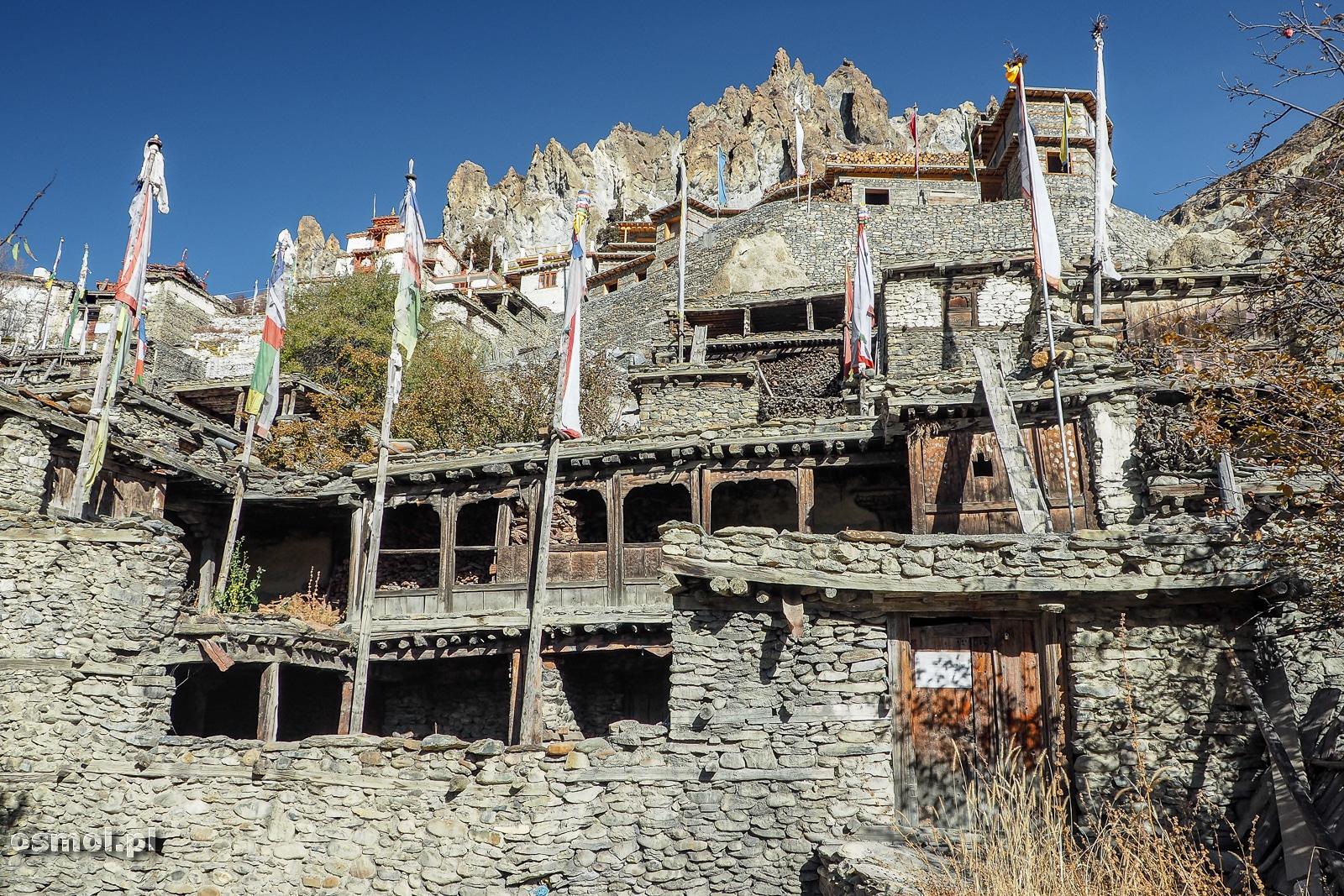 Stare domy w Bhrace Nepal