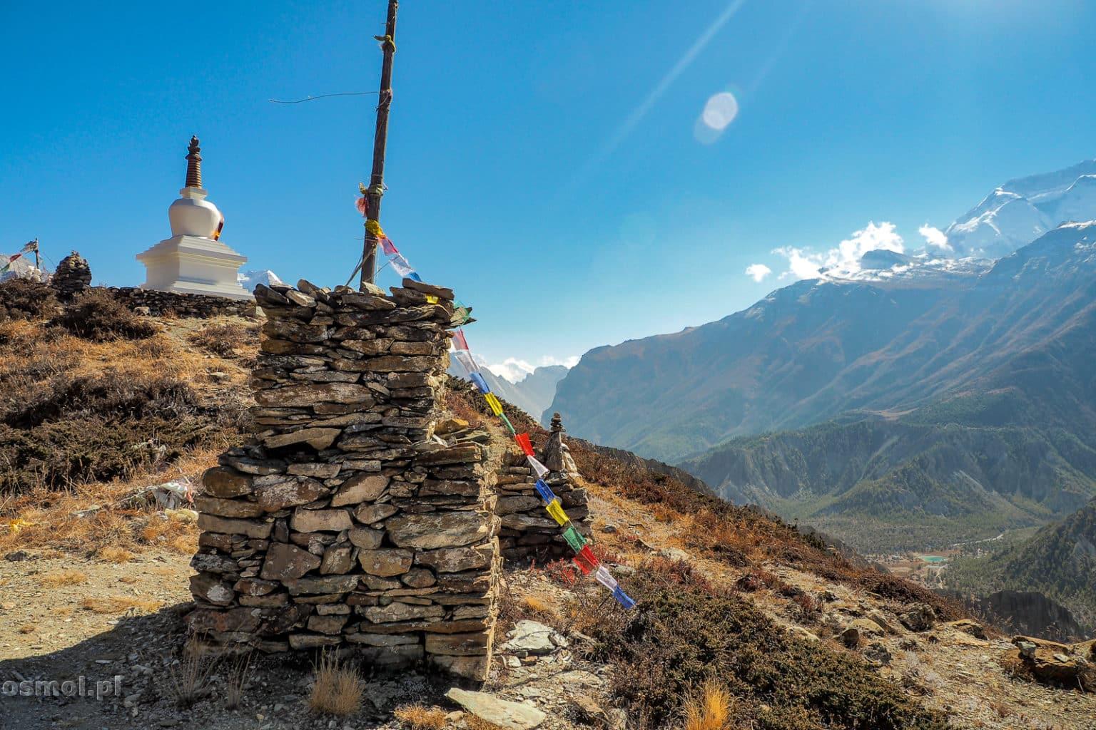 Mala kamienna stupa w Nepalu
