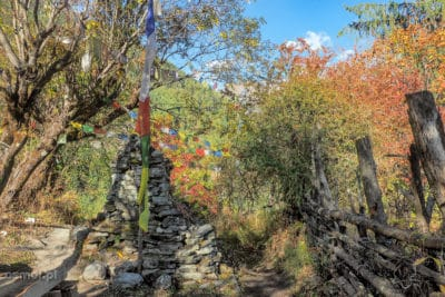 Kapliczka na szlaku dookoła Annapurny