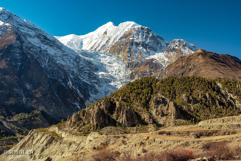 Jeden z przepięknych widoków na Himalaje, który czeka na nas podczas trekkingu dookoła Annapurny.