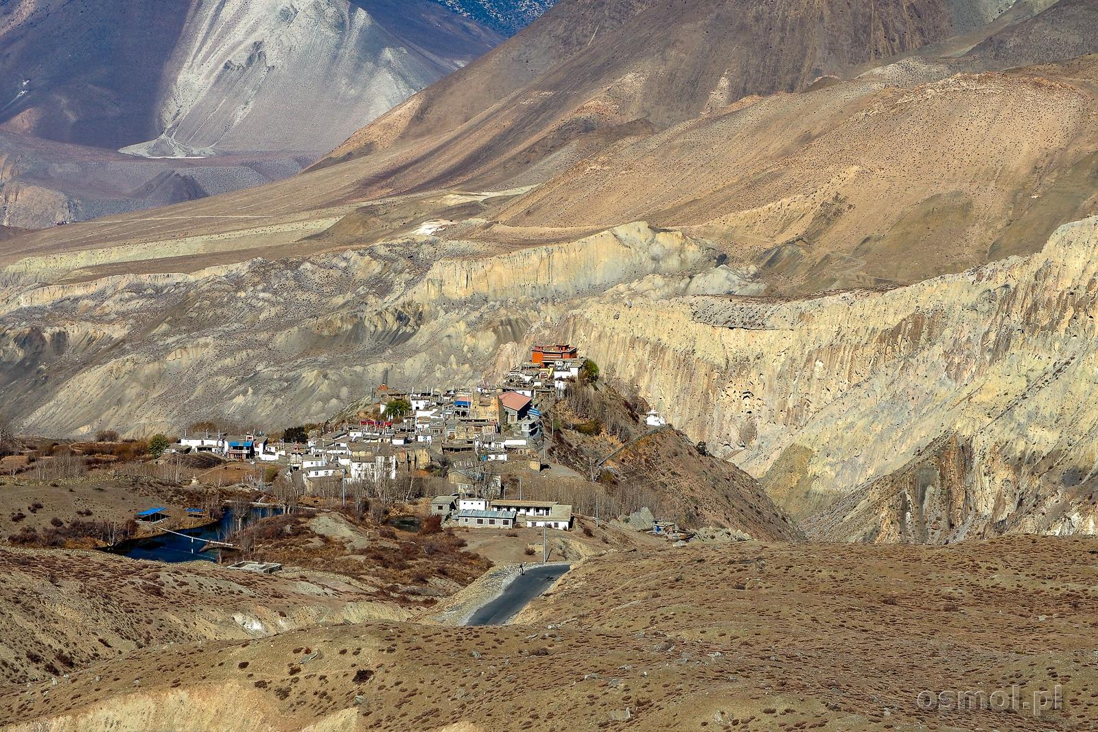 Widok na wioskę Jharkot