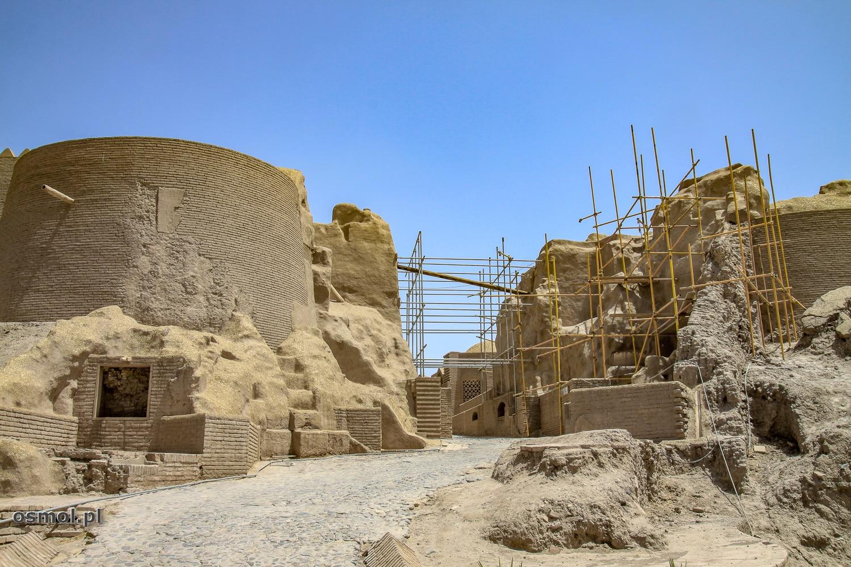 Odbudowa twierdzy Bam w Iranie
