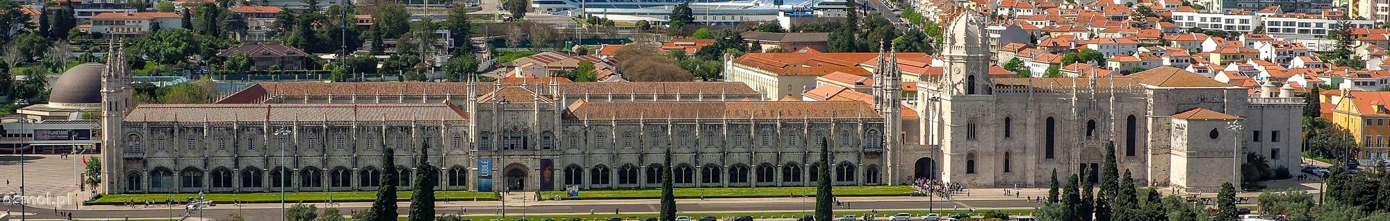 Klasztor Hieronimitów widziany z góry z pobliskiego Pomnika Odkrywców.