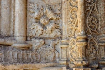 Zdobienia w klasztorze Hieronimitów