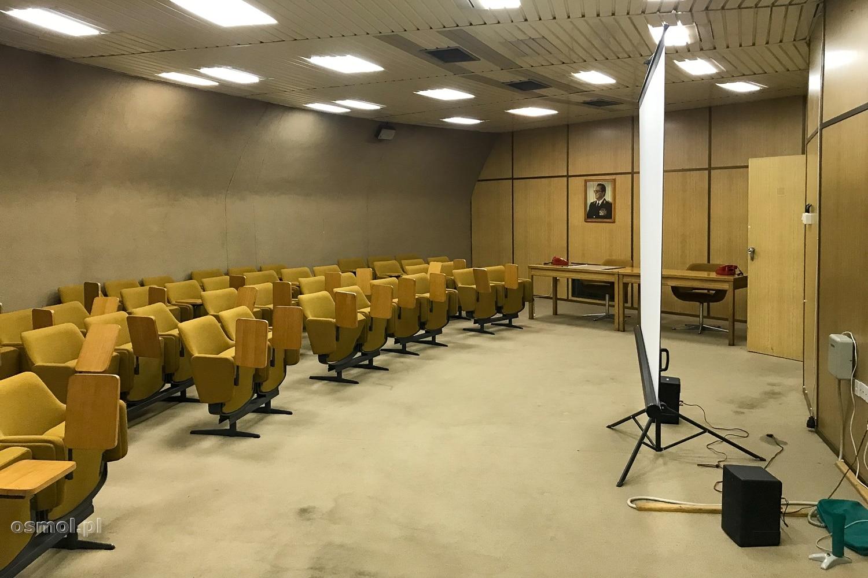 Sala konferencyjna w bunkrze Tito