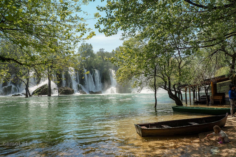 Łódka przy Wodospadach Kravica