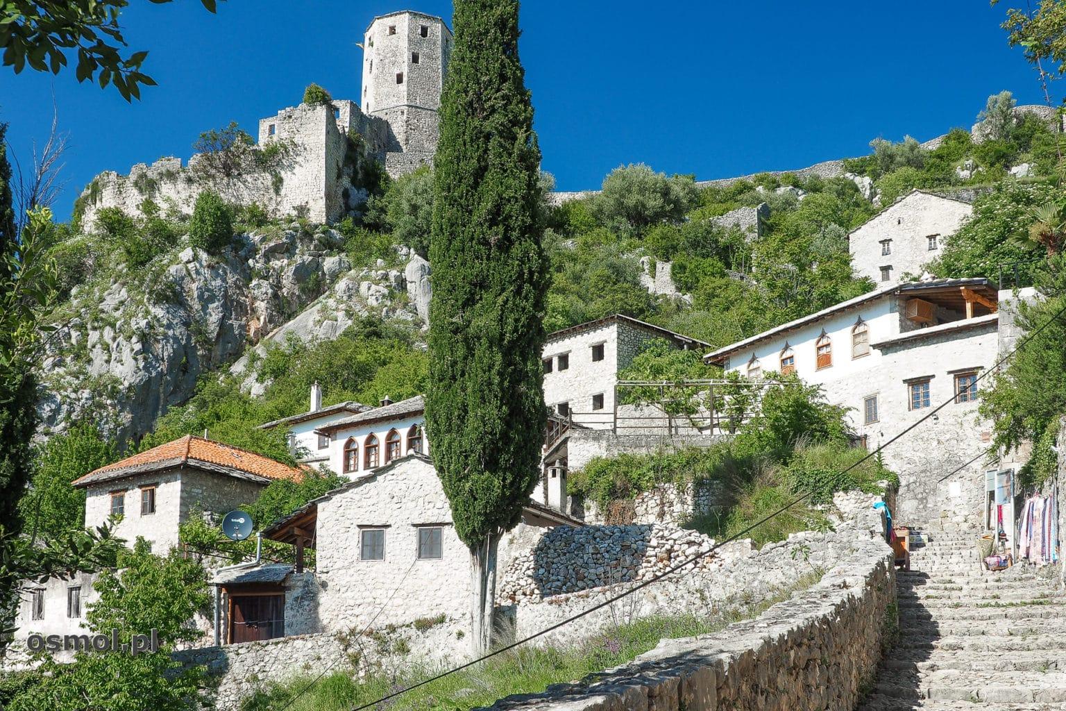 Widok na zamek w Pocitelj