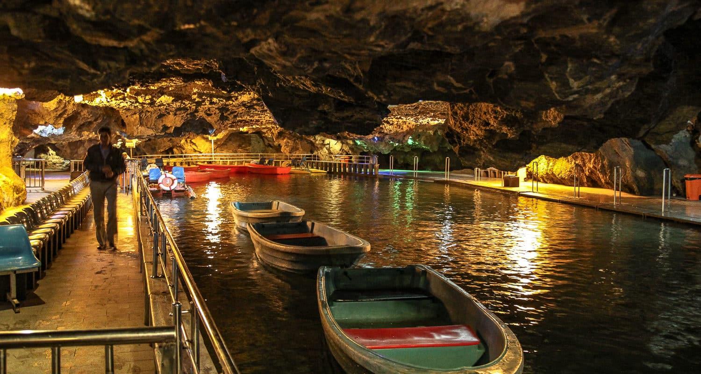 Podziemna przystań dla łódek w jaskini Ali Sadr