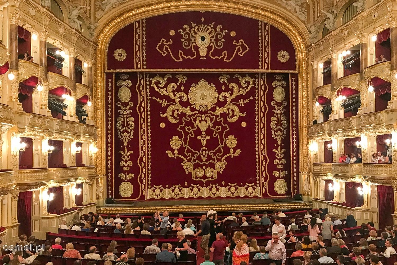 Wnętrze opery w Odessie