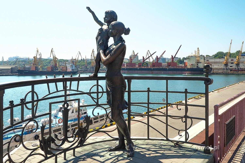 """Pomnik """"Żona marynarza"""" w Odessie"""