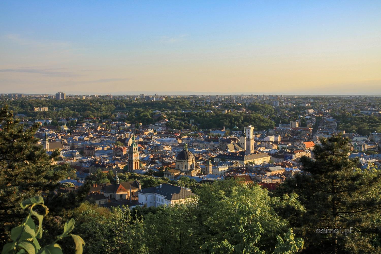 Widok ze Wzgórza Zamkowego we Lwowie