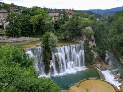 Wodospad w miejscowości Jajce w Bośni.