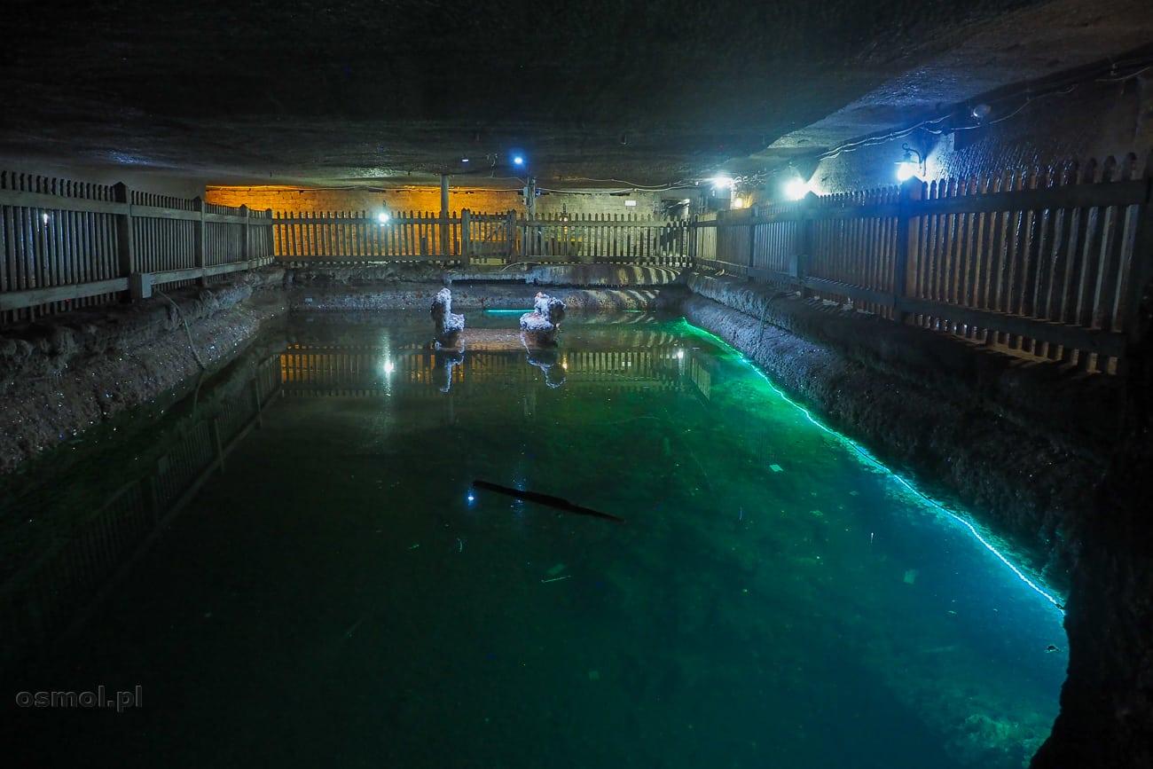 Słone jeziorko w kopalni soli Kaczyka