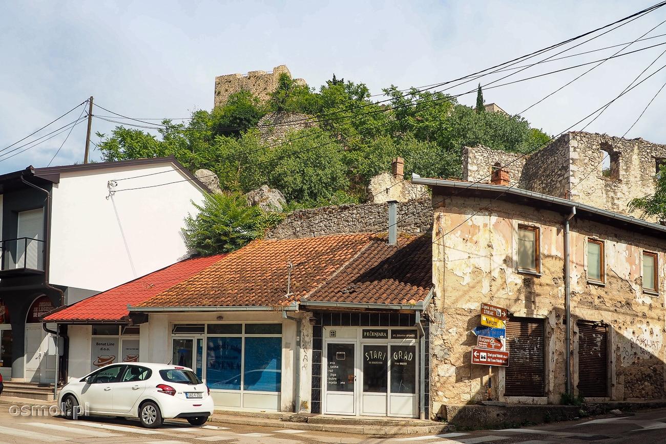 Po wojnie w Jugosławii do dziś pozostały postrzelane domy