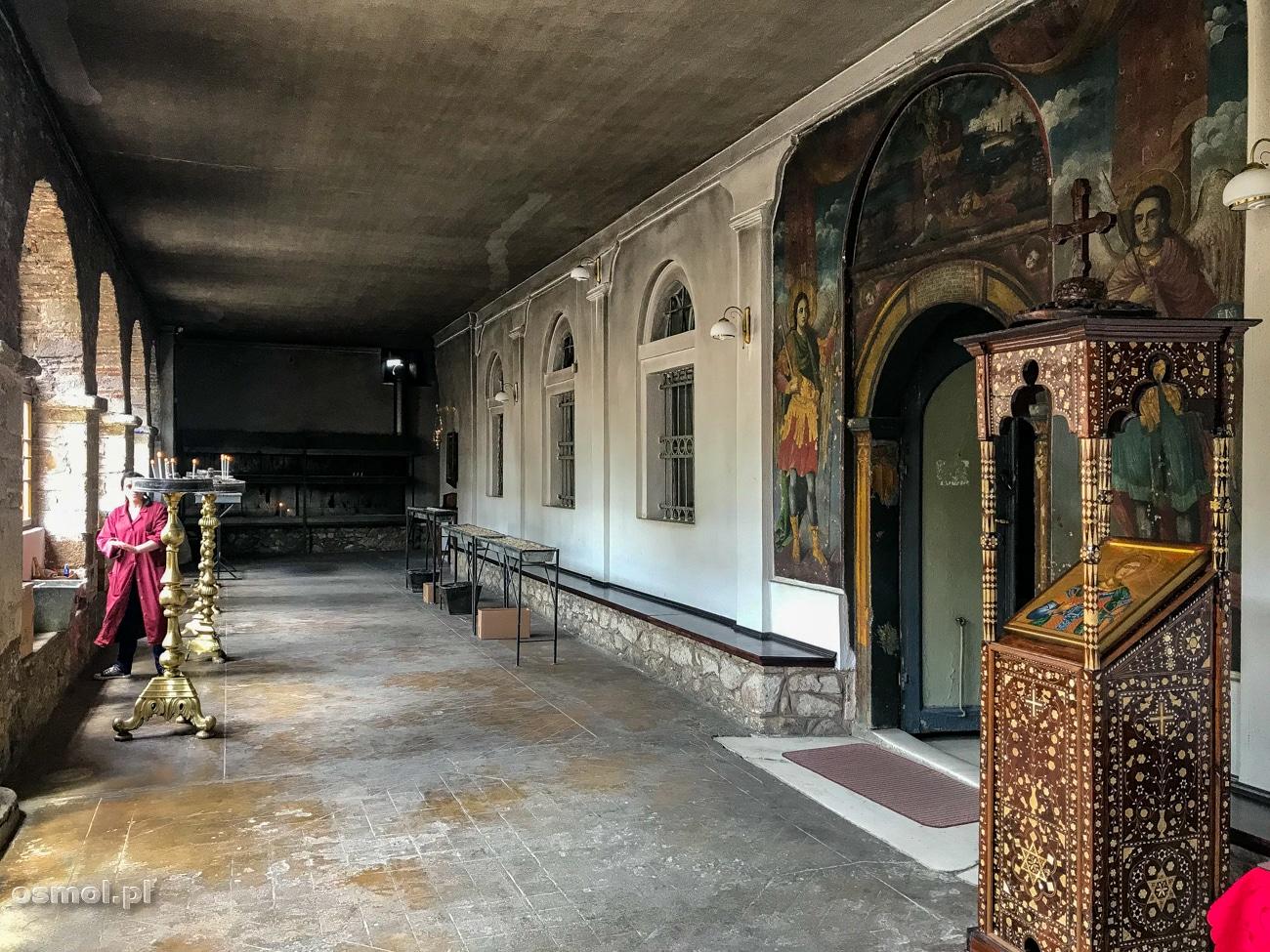 Wejście do cerkwi świętego Dymitra