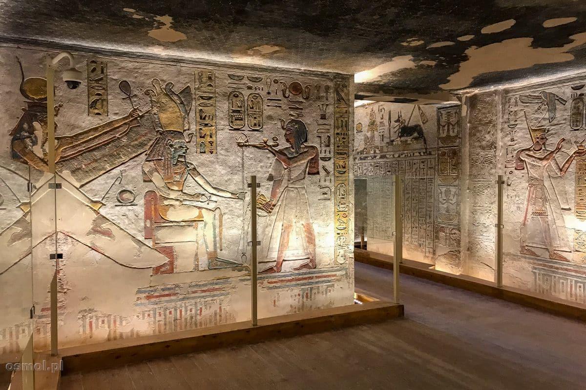 Zdobienia świątyni w Dolinie Królów w Egipcie