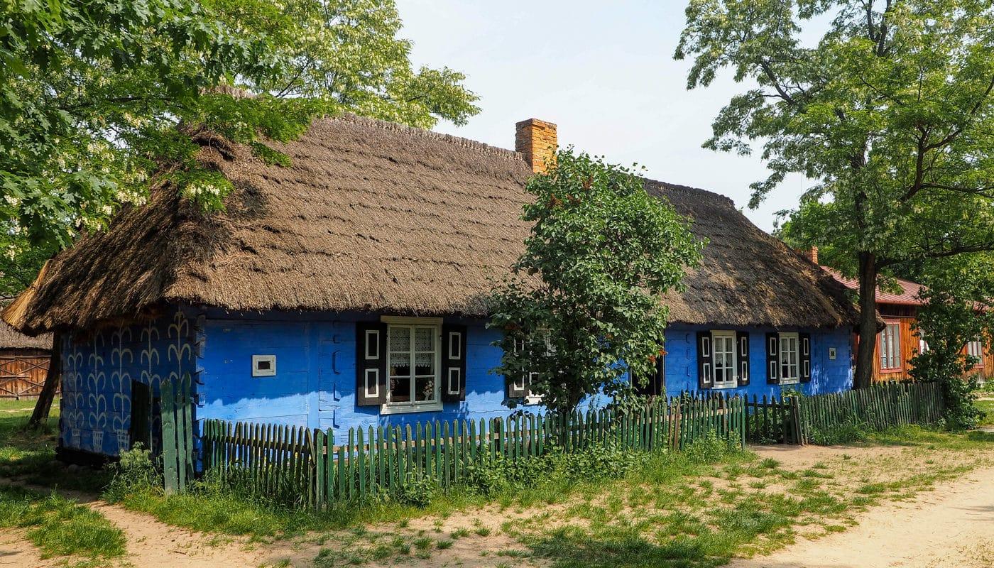 Skansen w Maurzycach - chata w Skansenie ziemi łowickiej