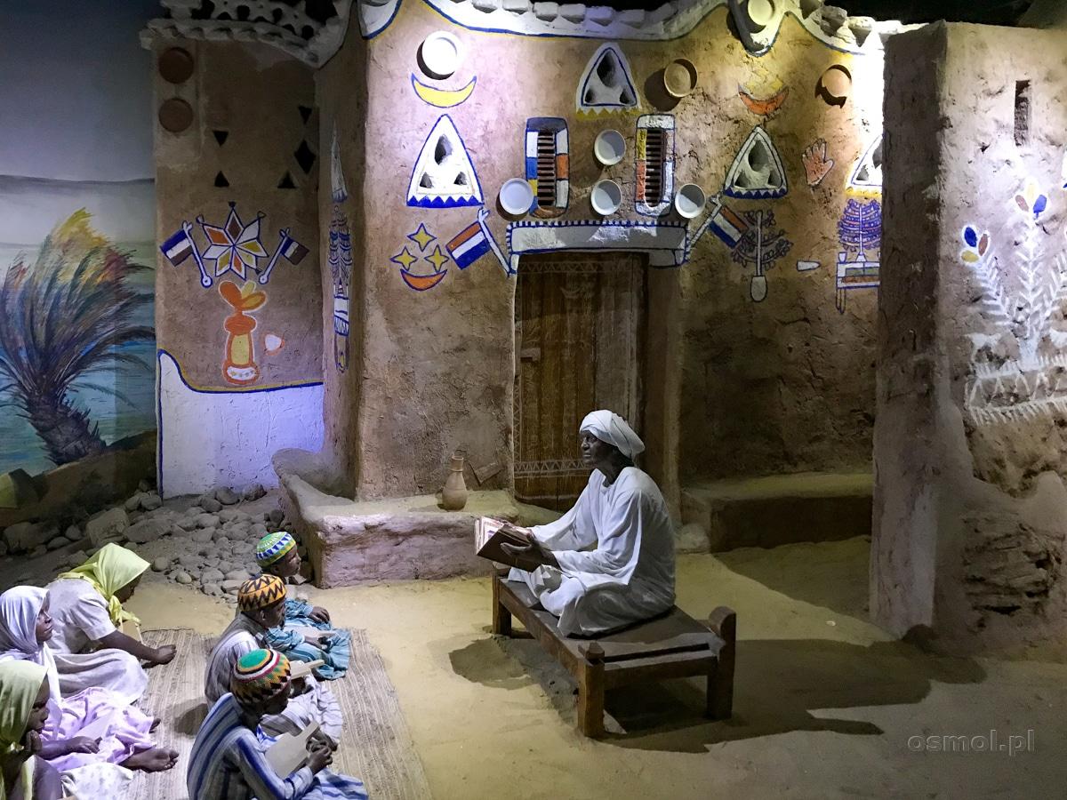 Ekspozycja w Muzeum Nubijskim przedstawiająca makietę tradycyjnej nubijskiej wioski.