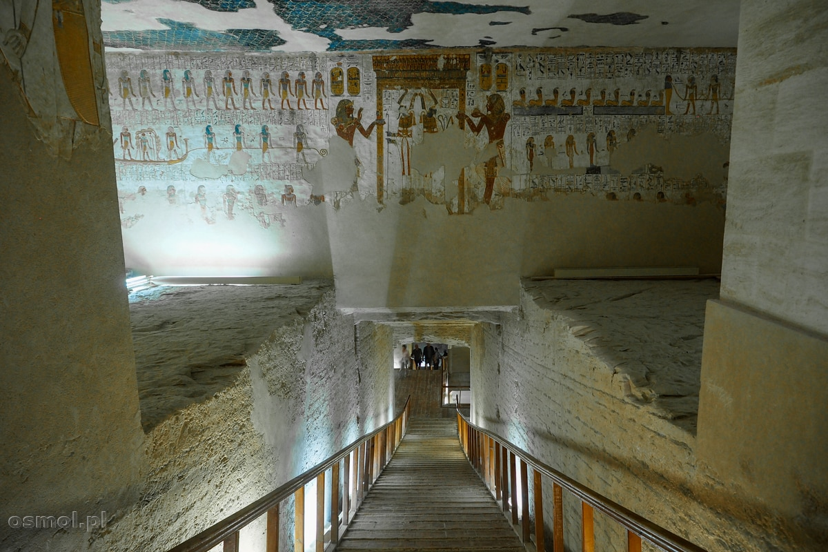 Korytarz w grobowcu faraona Merenptaha w Dolinie Królów