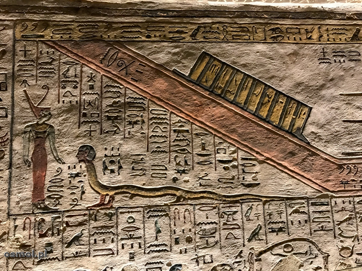 Hieroglify na ścianie Grobowca Ramzesa III w Dolinie Królów