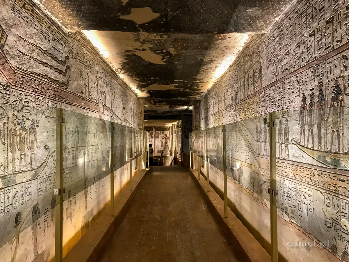 Korytarz wewnątrz grobowca Ramzesa III