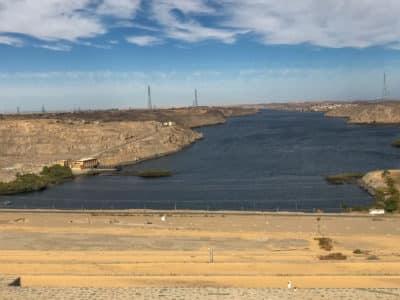 Widok na Nil z Wysokiej Tamy Asuańskiej w Egipcie