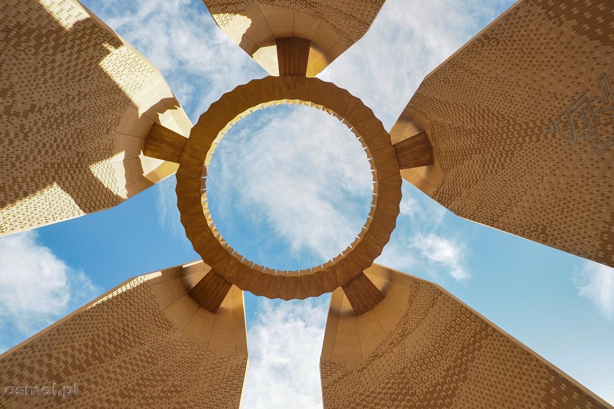 Pomnik przyjaźni egipsko-radzieckiej. Jak nie jestem miłośnikiem betonu, to ta konstrukcja ma w sobie coś finezyjnego!