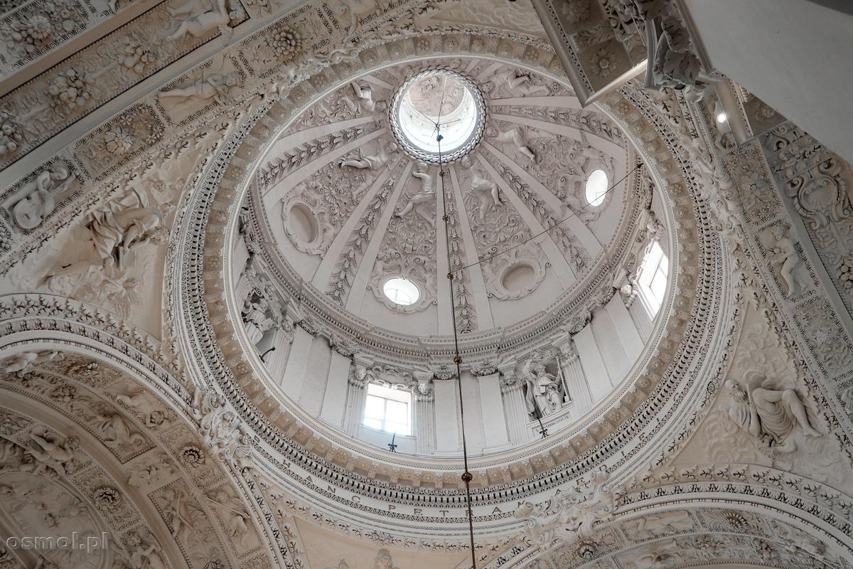 Kopuła kościoła św. Apostołów Piotra i Pawła w Wilnie